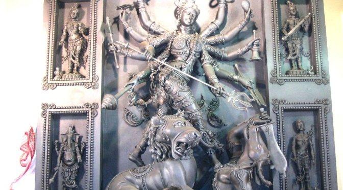 Navratri-Die neun heiligen Nächte der Mutter (Teil 7)